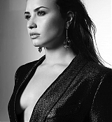 Demi_Lovato_-_Tell_Me_You_Love_Me_Photoshoot_2017-06.jpg
