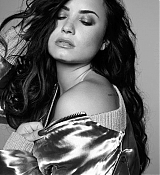Demi_Lovato_-_Tell_Me_You_Love_Me_Photoshoot_2017-15.jpg