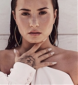 Demi_Lovato_-_Tell_Me_You_Love_Me_Photoshoot_2017-27.jpg