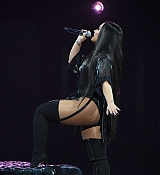 Demi_Lovato_-_Tell_Me_You_Love_Me_Tour_at_MGM_Grand_Garden_Arena_in_Las_Vegas2C_NV_-_March_32C_2018-04.jpg