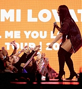 Demi_Lovato_-_Tell_Me_You_Love_Me_Tour_at_the_Barclay_Center_in_NYC_-_March_162C_2018-08.jpg