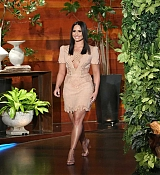 Demi_Lovato_-_The_Ellen_DeGeneres_Show_on_April_5-01.jpg