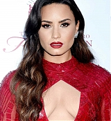 Demi_Lovato_-_The_Summer_Spectacular_to_Benefit_the_Brent_Shapiro_Foundation_for_Drug_Prevention_on_September_9-09.jpg