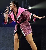 Demi_Lovato_-_Viejas_Arena_at_Aztec_Bowl_San_Diego_State_University_on_February_262C_2018-05.jpg