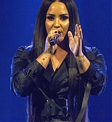 Demi_Lovato_-_Viejas_Arena_at_Aztec_Bowl_San_Diego_State_University_on_February_262C_2018-06.jpg
