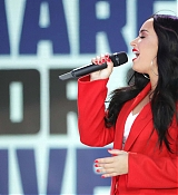 Demi_Lovato_-__March_For_Our_Lives__in_Washington2C_DC_on_March_24-01.jpg