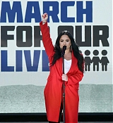 Demi_Lovato_-__March_For_Our_Lives__in_Washington2C_DC_on_March_24-04.jpg