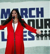 Demi_Lovato_-__March_For_Our_Lives__in_Washington2C_DC_on_March_24-16.jpg