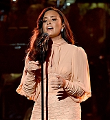 Demi_Lovato_-__One_Voice_Somos_Live21_A_Concert_For_Disaster_Relief__in_Los_Angeles_on_October_14-15.jpg