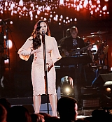 Demi_Lovato_-__One_Voice_Somos_Live21_A_Concert_For_Disaster_Relief__in_Los_Angeles_on_October_14-19.jpg