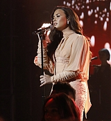 Demi_Lovato_-__One_Voice_Somos_Live21_A_Concert_For_Disaster_Relief__in_Los_Angeles_on_October_14-21.jpg