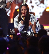 Demi_Lovato_-__iHeartRadio_Music_Festival_in_Las_Vegas_on_September_23-08.jpg