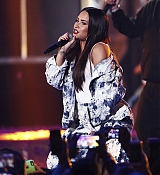 Demi_Lovato_-__iHeartRadio_Music_Festival_in_Las_Vegas_on_September_23-13.jpg