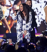 Demi_Lovato_-__iHeartRadio_Music_Festival_in_Las_Vegas_on_September_23-19.jpg