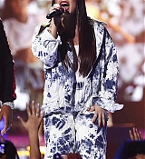 Demi_Lovato_-__iHeartRadio_Music_Festival_in_Las_Vegas_on_September_23-40.jpg