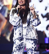 Demi_Lovato_-__iHeartRadio_Music_Festival_in_Las_Vegas_on_September_23-43.jpg