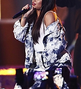 Demi_Lovato_-__iHeartRadio_Music_Festival_in_Las_Vegas_on_September_23-44.jpg