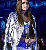 Demi_Lovato_-_iHeartRadio_Music_Awards_on_March_5-03.jpg