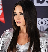 Demi_Lovato_-_iHeartRadio_Music_Awards_on_March_5-06.jpg