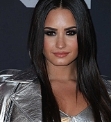 Demi_Lovato_-_iHeartRadio_Music_Awards_on_March_5-12.jpg