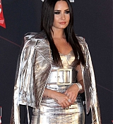 Demi_Lovato_-_iHeartRadio_Music_Awards_on_March_5-17.jpg
