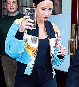 Demi_Lovato_-_is_seen_in_New_York_City_on_March_21-01.jpg