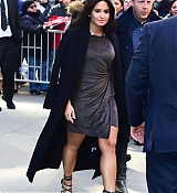 Demi_Lovato_-_is_seen_walking_in_Midtown_in_New_York_City_on_March_20-06.jpg