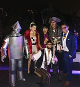 Demi_Lovato_Halloween_Party_2017_-_October_29-25.jpg