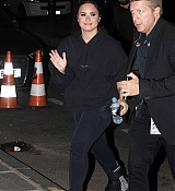 Demi_Lovato_leaves_the_Zenith_at_the_end_of_his_concert_in_Paris_-_June_400006.jpg