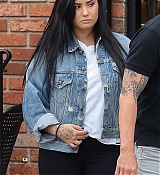 Demi_Lovato_out_and_about_in_Los_Angeles2C_CA_-_November_72C_2018-01.jpg
