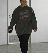 Leaves_a_gym_before_a_trip_to_a_laser_center_in_LA_-_February_286.jpg
