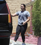 Leaves_the_gym_in_LA_July_122C_201800004.jpg