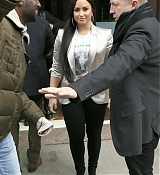 Leaving_her_hotel_heading_to_the_Barclays_Center_-_March_1600001.jpg