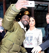 Leaving_her_hotel_heading_to_the_Barclays_Center_-_March_1600005.jpg