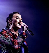Performs_at_YouTube_s__Demi_Lovato_Simply_Complicated__Premiere_-_October_11-05.jpg
