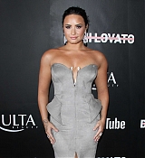 YouTube_s__Demi_Lovato_Simply_Complicated__Premiere_-_October_11-05.jpg
