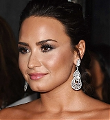 YouTube_s__Demi_Lovato_Simply_Complicated__Premiere_-_October_11-27.jpg