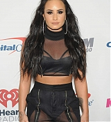 Demi_Lovato_-_103_5_KISS_FM_s_Jingle_Ball_2017_-_December_13-01.jpg