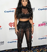 Demi_Lovato_-_103_5_KISS_FM_s_Jingle_Ball_2017_-_December_13-04.jpg
