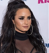 Demi_Lovato_-_103_5_KISS_FM_s_Jingle_Ball_2017_-_December_13-07.jpg