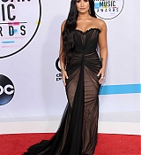 Demi_Lovato_-_2017_American_Music_Awards_-_November_19-05.jpg