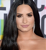 Demi_Lovato_-_2017_American_Music_Awards_-_November_19-35.jpg