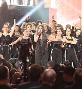 Demi_Lovato_-_2017_American_Music_Awards_-_November_19_-_P-03.jpg