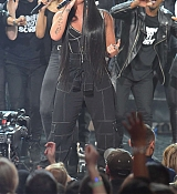 Demi_Lovato_-_2017_American_Music_Awards_-_November_19_-_P-05.jpg