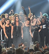 Demi_Lovato_-_2017_American_Music_Awards_-_November_19_-_P-06.jpg