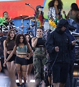 Demi_Lovato_-_In_Concert_on_Good_Morning_America_in_Central_Park2C_NY_-_August_18-06.jpg