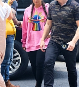 Demi_Lovato_-_Is_seen_arriving_back_at_her_hotel_in_New_York_-_August_18-07.jpg