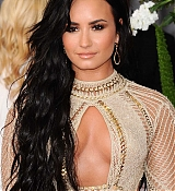 Demi_Lovato_-_The_59th_GRAMMY_Awards_at_STAPLES_Center_in_Los_Angeles-10.jpg