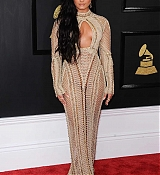 Demi_Lovato_-_The_59th_GRAMMY_Awards_at_STAPLES_Center_in_Los_Angeles-20.jpg