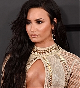 Demi_Lovato_-_The_59th_GRAMMY_Awards_at_STAPLES_Center_in_Los_Angeles-41.jpg